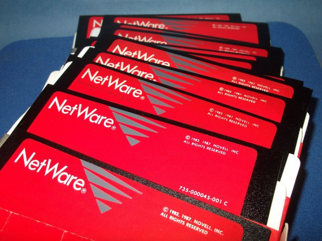 Novel Netware 2.15 - Disks